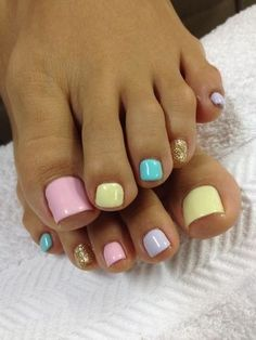 Colourful toe nails for spring
