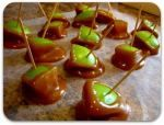 Love this idea for a way to serve bite size caremal apples!    Become a party planning pro (30photos) - party-planning-26