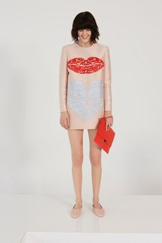 See the complete Stella McCartney Resort 2014 collection.