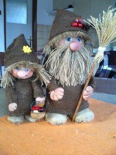 Halloween Crafts, Halloween Decorations, Coffee Crafts, Garden Crafts, Gnomes, Lanterns, Diy And Crafts, Teddy Bear, Crochet