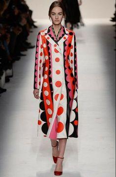 Valentino autunno inverno 2014 2015  #valentino #womenswear #abbigliamentodonna #vestiti #clothes #autunnoinverno #autumnwinter #moda2014 #fashion #autunnoinverno20142015 #autumnwinter2015