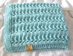 Knitting Yarn, Baby Knitting, Knitted Baby, Knitted Gifts, Small Blankets, Knitted Blankets, Blanket Crochet, Handmade Baby Blankets, Car Seat Blanket