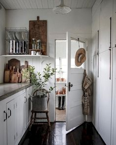 Farmhouse Kitchen Decor Ideas: Great Home Improvement Tips You Should Know! You need to have some knowledge of what to look for and expect from a home improvement job. Decoration Inspiration, Decoration Design, Decor Ideas, Decorating Ideas, Decor Diy, Decor Room, Room Ideas, Bedroom Decor, Home Interior