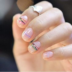 Friendship nails for you and your bestie. Diva Nails, Chic Nails, Stylish Nails, Minimalist Nails, Beautiful Nail Designs, Cute Nail Designs, Uñas Diy, Finger, Nagel Gel