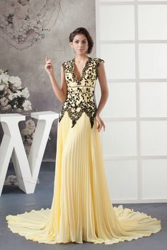 2013 New Arrival V Neck Chiffon A Line Yellow Prom Dress with Train £132.59