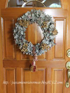2011年クリスマス・・・    「Chez Mimosa シェ ミモザ」     ~Tassel&Fringe&Soft furnishingのある暮らし~     フランスやイタリアのタッセル・フリンジ・ファブリック・小家具などのソフトファニッシングで、暮らしを彩りましょう       http://passamaneriavermeer.blog80.fc2.com/