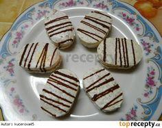 Kokosové laskonky6 bílků 330 g krupicového cukru 100 g moučkového cukru 170 g kokosu Cooking Recipes, Gluten Free, Cookies, Baking, Sweet, Christmas, Food, Advent, Biscuits