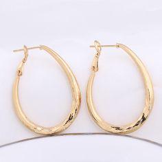 30mm Diameter Fashion Oval Hoop Earring 18k Gold Plated Copper Earrings Copper Earrings, Rose Gold Earrings, Hoop Earrings, Fashion Earrings, Fashion Jewelry, 18k Gold, Jewelry Gifts, Stylish Jewelry, Earrings