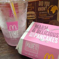 Image via We Heart It https://weheartit.com/entry/116425358/via/14007013 #food #pancakes #pink #macdonald's
