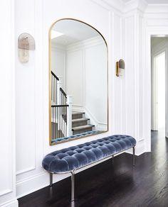 Bench Furniture, Living Room Furniture, Home Furniture, Halls, Upholstered Bench, Modern Interior, Interior Inspiration, New Homes, Room Decor