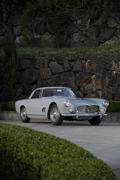 3500 GT 1960 Maserati 3500 GT I used to have one. Crankshaft had nearly main bearings. Ran like an ape, when it Maserati 3500 GT I used to have one. Crankshaft had nearly main bearings. Ran like an ape, when it ran. Luxury Sports Cars, Fast Sports Cars, Vintage Cars, Antique Cars, Porsche, Mercedez Benz, Marmaris, Car Car, Hot Cars