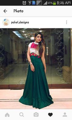 Garba Dress, Navratri Dress, Lehnga Dress, Lehenga Gown, Lengha Choli, Gown Dress, Choli Blouse Design, Choli Designs, Fancy Blouse Designs