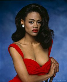 """Robin Givens  November 27, 1964 Robin Givens was born in New York City. She became a model and actress and gained national prominence as a regular in the TV series """"Head of the Class,"""" where from 1986 through 1991, she played Darlene Merriman, a prep-school type attending a high school honors program. Though she was but one of an ensemble, Givens's participation in the series was hyped by the network on the occasion of her marriage to boxing champ Mike Tyson."""