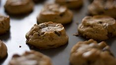 """""""A mouthwatering Extra Deluxe Chocolate Chip Cookies recipe that you and your family [will] enjoy!""""—Jeri H. Vanilla Recipes, Baking Recipes, Dessert Recipes, Baking Ideas, Yummy Recipes, Free Recipes, Soft Chocolate Chip Cookies, Chocolate Cookie Recipes, Yummy Treats"""