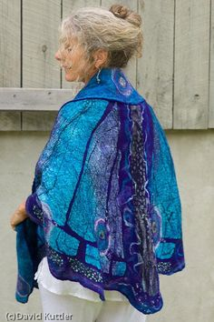I love this Butterfly Shawl, and am somewhat obsessed with figuring out how to make it.