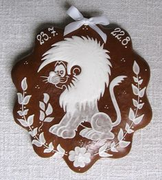 LEO~LION GINGERBREAD COOKIE Fun Cookies, Sugar Cookies, Frosted Cookies, Cookie Frosting, Icing, Cookie House, Beautiful Cakes, Gingerbread Cookies, Loga