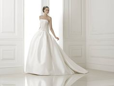 Baronda esküvői ruha - La Mariée esküvői ruhaszalon - Pronovias 2015