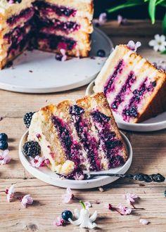 Gluten free meals 772859986034378501 - Lemon Blueberry Cake (Vegan Layer Cake) Source by vincentobamaske Vegan Treats, Vegan Foods, Vegan Dishes, Cheesecake Vegan, Blackberry Cheesecake, Vegan Pie, Vegan Butter, Raw Vegan, Snacks Sains