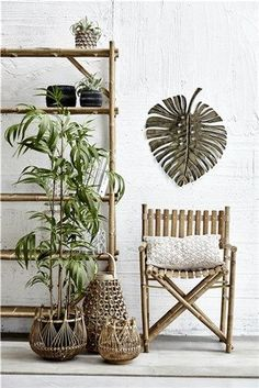 Trendiest home decor to bring out your personal style. Discover our wide range of modern, Scandinavian home accessories and furniture. Tropical Style, Tropical Decor, Home Decor Online, Home Decor Store, Modern House Design, Modern Interior Design, Deco Jungle, Rich Home, Ceramic Flower Pots