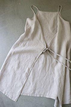 라르니에 정원 LARNIE Vintage&Zakka Sewing Aprons, Sewing Clothes, Diy Clothes, Japanese Apron, Chic Outfits, Fashion Outfits, Diy Tops, Apron Designs, Linen Bag