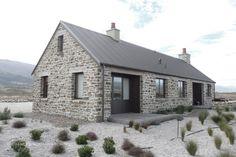 Stone Cottages, Stone Houses, Stone Barns, Modern Barn House, Modern Farmhouse Exterior, Farmhouse Ideas, House Blueprints, Cottage Design, Home Fashion