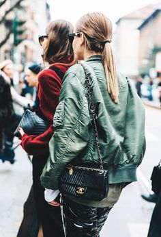 Streetstyle   Trends   Bomberjack   Bag   Chanel   More on Fashionchick.nl