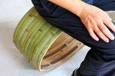 竹山の弾力ある竹だからこそ作れる椅子