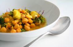 Garbanzos al curry con brócoli // chickpea curry with broccoli