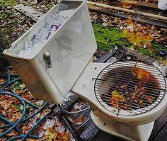 > #Jaraguenses albañiles crean #BBQ #Hielera usando un #inodoro https://www.instagram.com/p/BA0LbSYGOng/