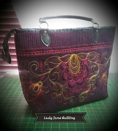 Free motion quilted for client by Telene Jeffrey-LJQ