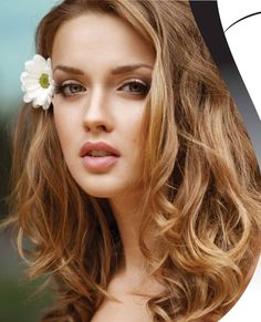 How to Get Natural-Looking Hair Curls Without Using Heat