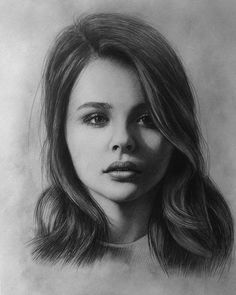 Chloe Grace Moretz. Very Expressive Drawings, Realistic Portraits. By Berikuly Erkin.