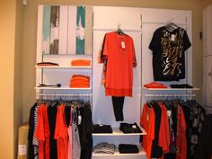 Spiti Experts ράφια καταστήματος  ξυλοτεχνική Wardrobe Rack, Furniture, Home Decor, Decoration Home, Room Decor, Home Furnishings, Arredamento, Interior Decorating