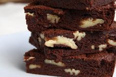 Chocolate brownie with pecan nuts