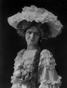 Lily Elsie circa 1905