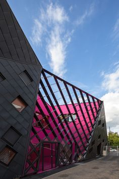 Socio-cultural Center in Mulhouse | Paul Le Quernec; Photo: 11h45 | Archinect