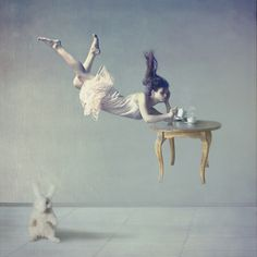 Dreamy And Gorgeous Photographs Of Women Defying Gravity - DesignTAXI.com