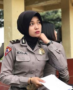 Military Women, Military Jacket, Army Police, Female Cop, I Love You All, Keeping Healthy, Girl Crushes, Hijab Fashion, Pilot