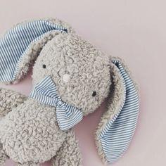 conejito de peluche personalizado, hecho a mano en españa