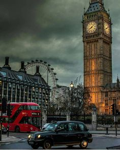 A London Tourist Guide. You Don't Need A Travel Agent To Pick A Great London Hotel. A great hotel turns your vacation into a fantasy. London Tourist Guide, London Travel, London Icons, London City, Travel Around The World, Around The Worlds, Belle Villa, Great Hotel, London Hotels