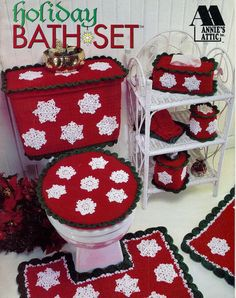 What fabulous Christmas holiday overkill! A crochet bathroom toilet and rug set. I actually tried to imagine out a similar pattern last year. Christmas Holidays, Christmas Crafts, Christmas Decorations, Xmas, Holiday Decorating, Merry Christmas, Crochet Decoration, Crochet Home Decor, Christmas Bathroom Sets