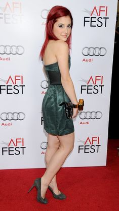 Ariana Grande Legs, Adriana Grande, Ariana Grande Pictures, Cat Valentine, Cute Swag Outfits, Cultura Pop, Red Carpet Looks, Winter Fashion Outfits, Portrait