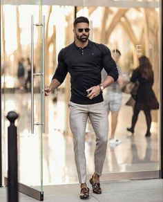 Stylish Mens Outfits, Casual Outfits, Men With Street Style, Look Chic, Mens Clothing Styles, Black Men, Men Dress, Dress Shirt, Mens Fashion