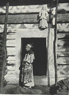 Folk Costume, Costumes, Ethnic Dress, Headdress, Traditional Dresses, Old Photos, Westerns, Culture, Czech Republic