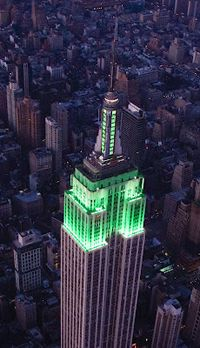 Empire State building celebrates Girl Scouts 100th Anniversary!