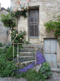 10 Great Rustic Home Exterior Designs You Will be Under a Spell - New Decoration Tudor Cottage, French Cottage Garden, Rustic Cottage, Cottage Style, Exterior, Clematis, Architecture, Nantucket, Stairways