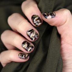 """160 Likes, 2 Comments - Chelsea King (@chelseaqueen) on Instagram: """"Camo nails ✌ #camouflage #camo"""""""