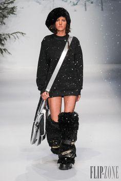 Moschino Automne-hiver 2015-2016 - Prêt-à-porter