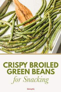 Satisfy your craving for savory bites with these Crispy Broiled Green Beans for Snacking. Clean snacking was never so easy! Satisfy your craving for savory bites with these Crispy Broiled Green Beans for Snacking. Clean snacking was never so easy! Clean Eating Dinner, Clean Eating Recipes, Clean Eating Snacks, Cooking Recipes, Keto Friendly Desserts, Low Carb Desserts, Healthy Options, Healthy Recipes, Simple Recipes