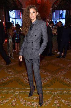 Zendaya wore the same grey Berluti suit Michael B. Jordan wore to the 2019 Vanity Fair Oscars party to the Harper's Bazaar Icons party during New York Fashion Week. Zendaya Coleman, Moda Zendaya, Suit Fashion, Fashion Week, New York Fashion, Zendaya Outfits, Zendaya Style, Teen Vogue, Grace Kelly